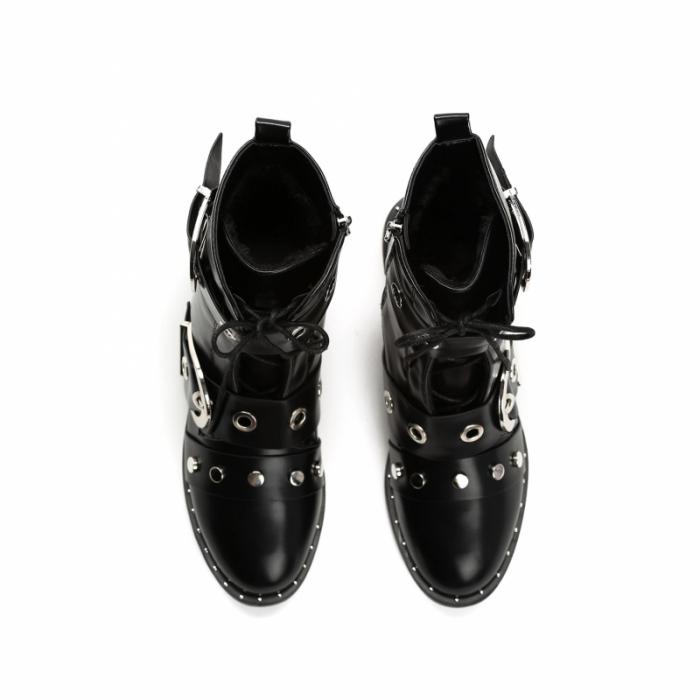 3ae60a569d3 Dámské černé kotníkové boty Barry 8336 - Svět shopaholiků.cz