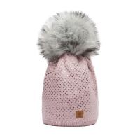 Růžová čepice Woolk se stříbrnými čtverečky… 0a1289f5a8