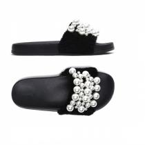 Dámské černé pantofle Gracia 029