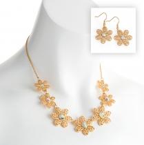 SET: Náhrdelník a náušnice ve zlaté barvě Zareen 30851