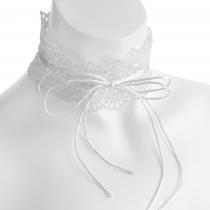 Bílý háčkovaný choker náhrdelník Danisha 30790