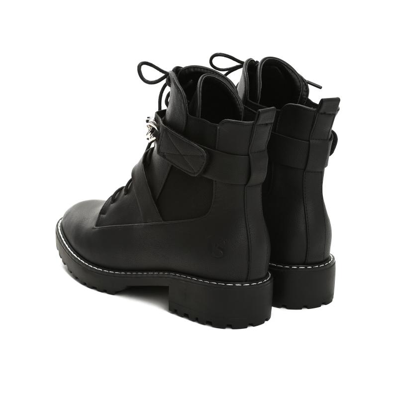 Dámské černé matné kotníkové boty Queen 2108 - Svět shopaholiků.cz ae06704d73a