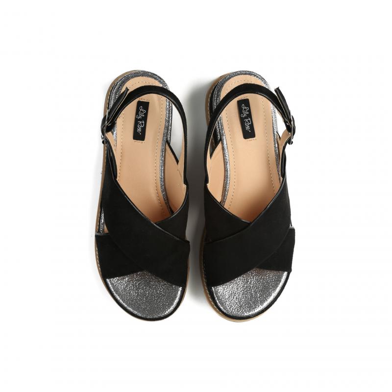 bd1391a3ae3c Dámské černé sandály na platformě Silvia 9212 - Svět shopaholiků.cz