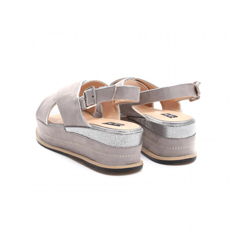 668543c53cdc Dámské šedé sandály na platformě Silvia 9212 - Svět shopaholiků.cz