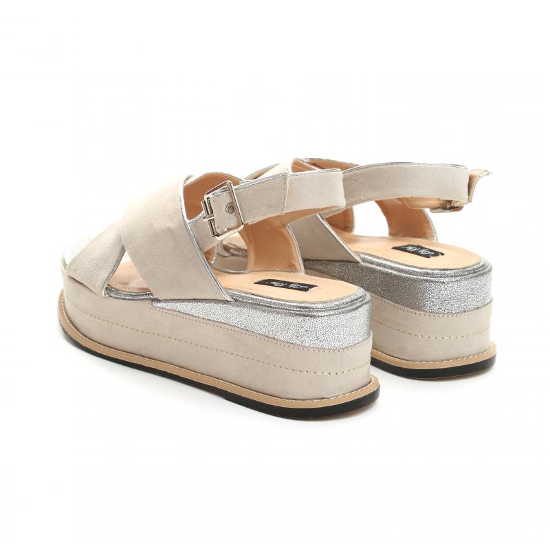70c4b1f7f2a9 Dámské béžové sandály na platformě Silvia 9212 - Svět shopaholiků.cz