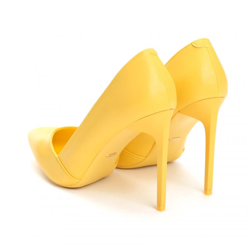 b8c01b554c6 Dámské žluté lodičky Charlotte 5137 - Svět shopaholiků.cz
